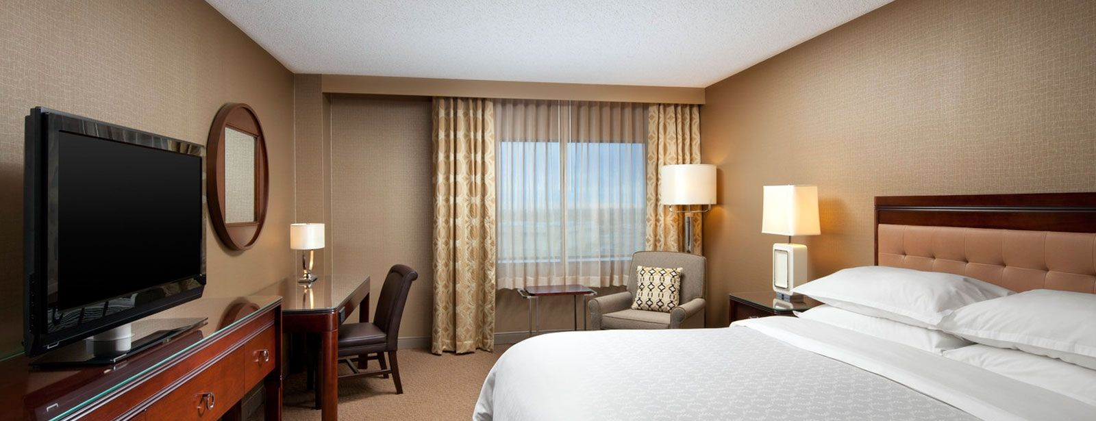 Standard King Traditional Room | Sheraton Denver Tech Center Hotel